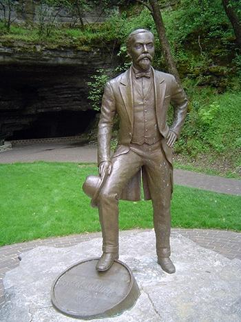 статуята на чичо джак